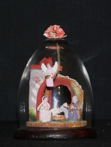 138_Barro cocido policromado en urna de cristal - Italia, 2003